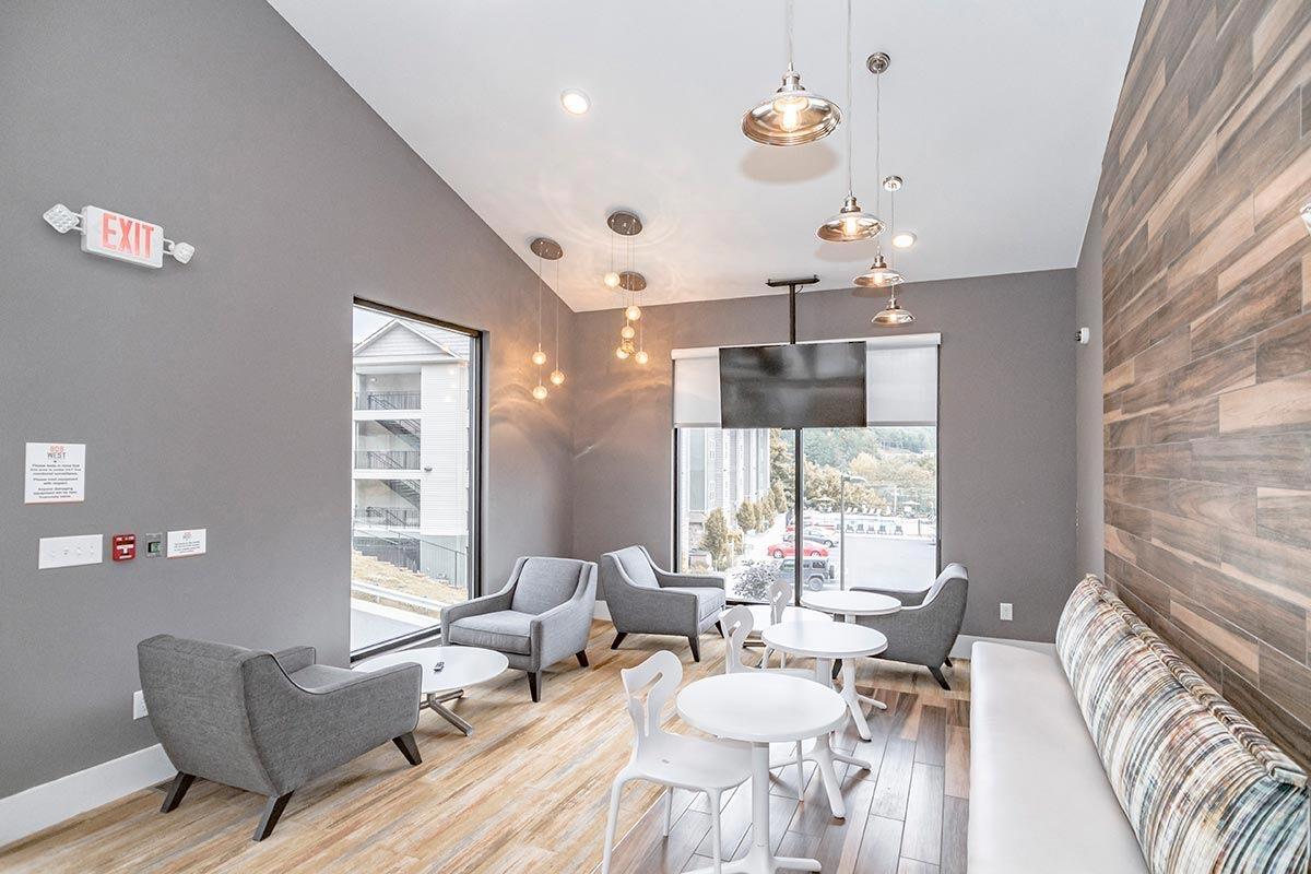 Evolve Companies 808 West Apartments Lounge