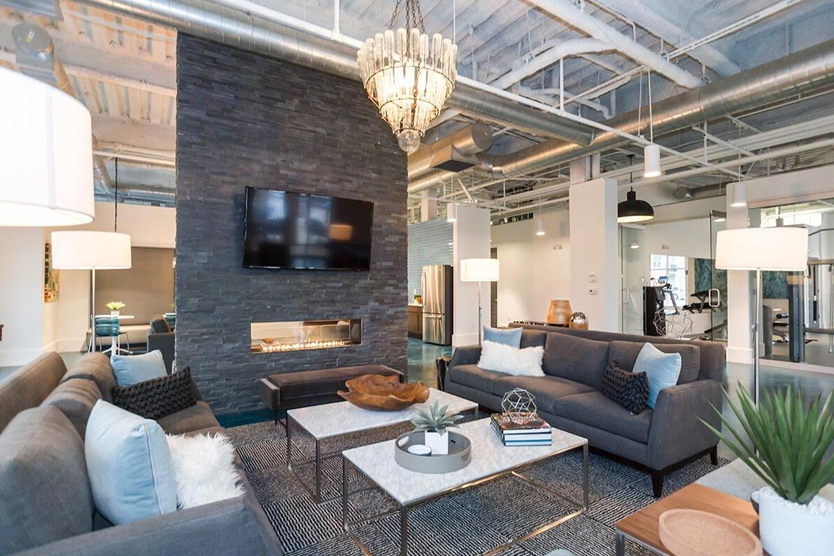 Evolve Companies 1701 North Chapel Hill Apartments Amenities Lounge
