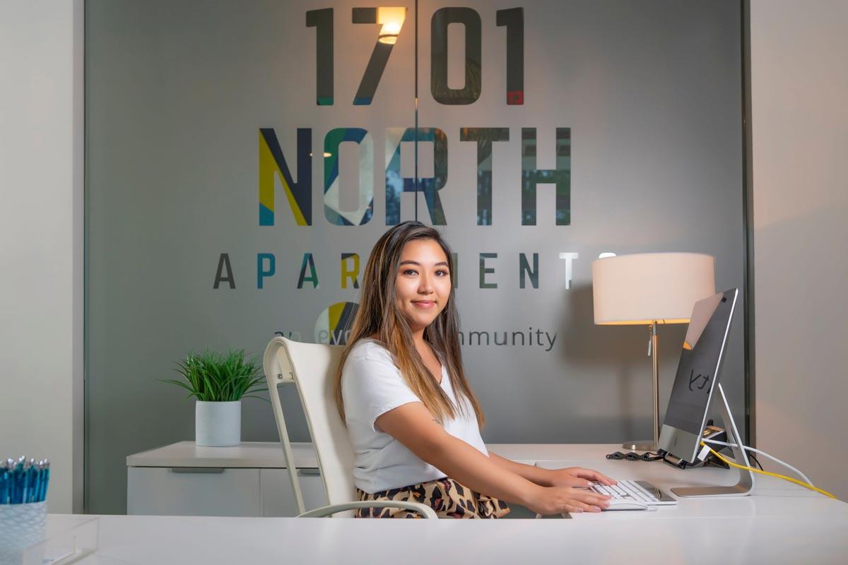 Evolve Companies 1701 North Chapel Hill Apartments Amenities Front Desk