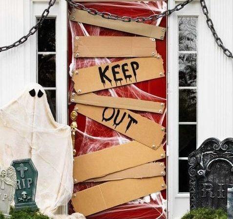 evolve-companies-halloween-door-decorations-blog