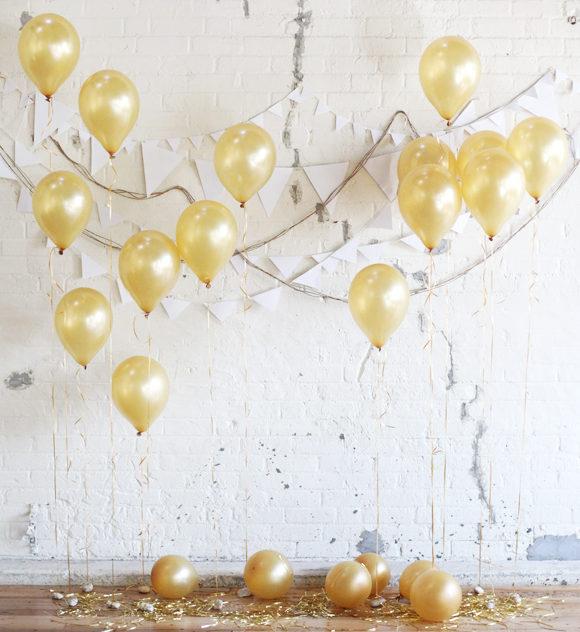 7 nye party decoration ideas balloon backdrop
