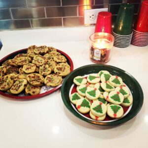 top 5 new year's eve decorations christmas cookies on plates
