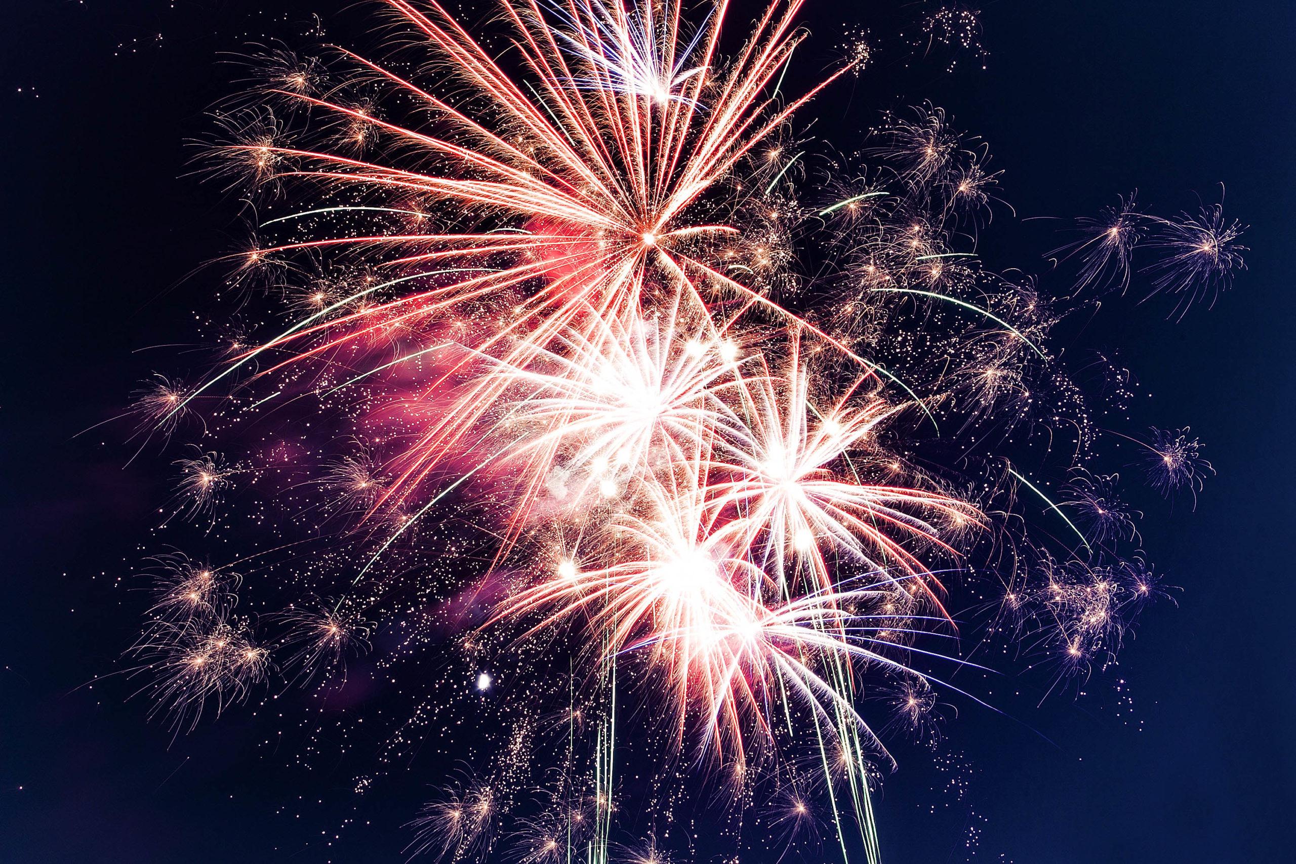7 nye party decoration ideas fireworks