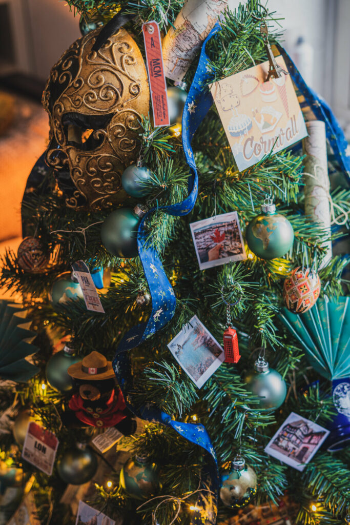 ornaments travelers christmas tree theme evolve blog