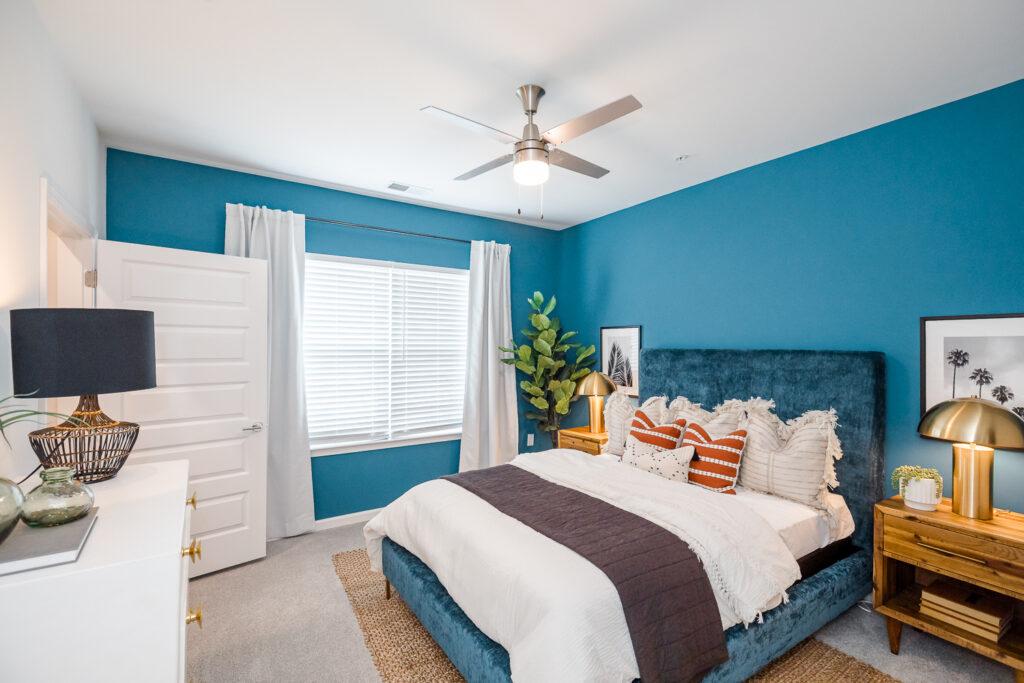 evolve heritage bedroom